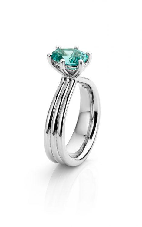 Ring uitgevoerd in platina met blauwe tourmalijn uit de collectie Love for Details van Hester Vonk Noordegraaf