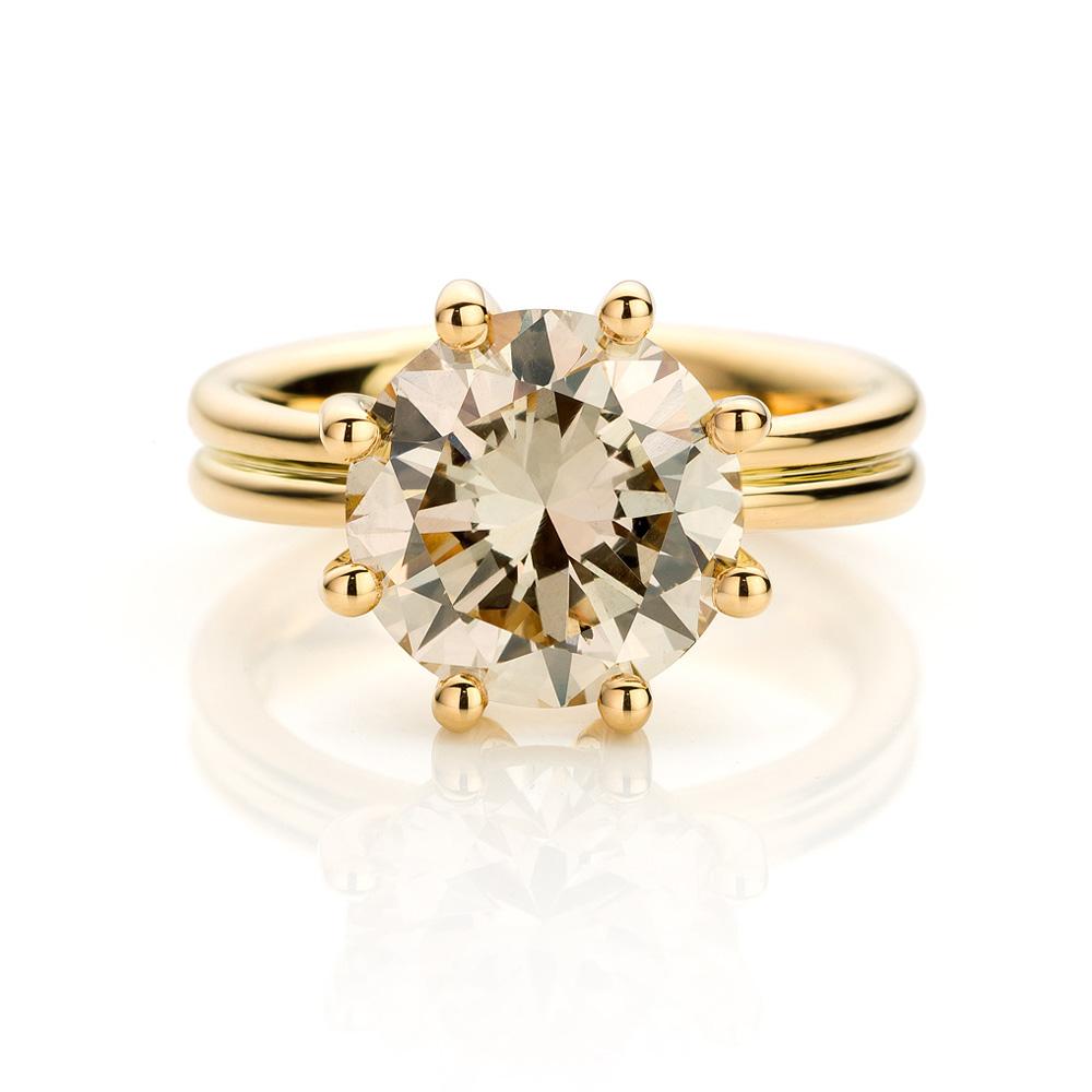 Ring gemaakt van 18 karaat geelgoud met diamant uit de serie Love for Details van Hester Vonk Noordegraaf