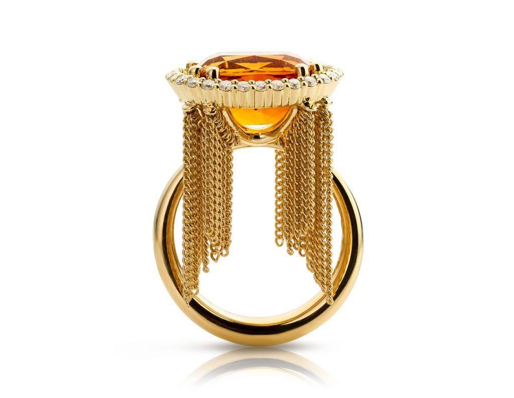 Ring uitgevoerd in 18 karaat geelgoud met citrien en diamanten uit de collectie Sense of Expression van Hester Vonk Noordegraaf