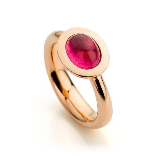 Ring uitgevoerd in 18 karaat roségoud met roze toermalijn uit de collectie Soft Elegance van Hester Vonk Noordegraaf