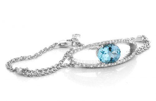 Armband gemaakt van platina met aquamarijn en diamanten uit de serie Unexpected Sparkle van Hester Vonk Noordegraaf