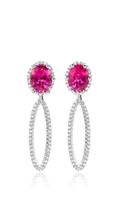 Oorbellen in platina met rubelliet en diamant uit de collectie Unexpected Sparkle van Hester Vonk Noordegraaf