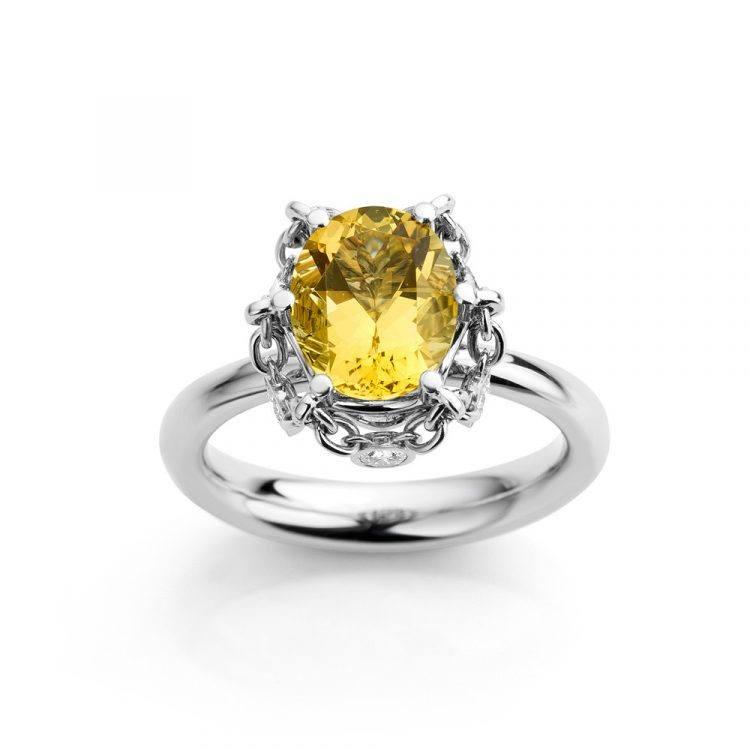 Platina ring met ovale goudberyl en diamant uit de Unexpected Sparkle collectie van Hester Vonk Noordegraaf