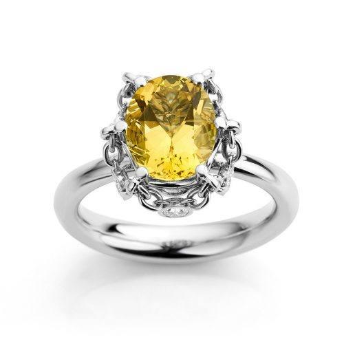 Ring gemaakt van platina met goudberyl en diamanten uit de serie Unexpected Sparkle van Hester Vonk Noordegraaf