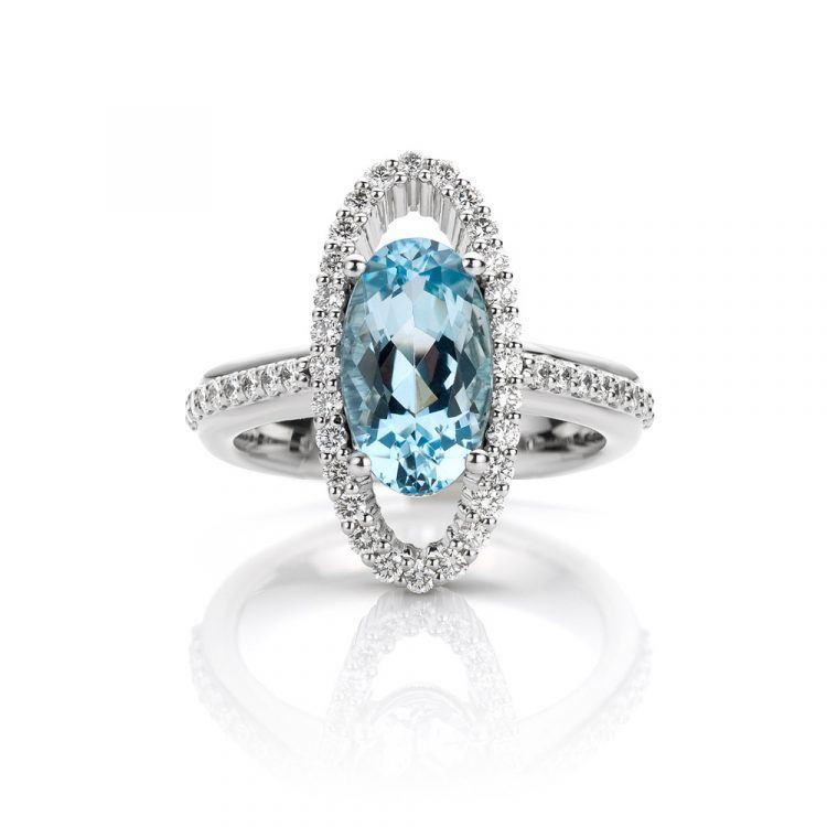 Platina ring met aquamarijn en diamanten uit de Unexpected Sparkle collectie van Hester Vonk Noordegraaf
