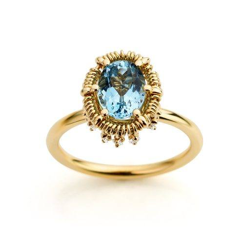 Ring gemaakt van 18 karaat geelgoud met aquamarijn en diamanten uit de serie Unexpected Sparkle van Hester Vonk Noordegraaf